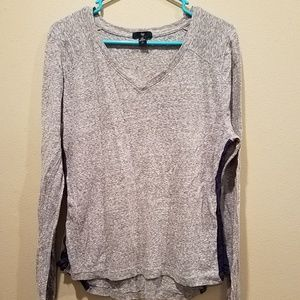 Gray Gap v neck top size XL